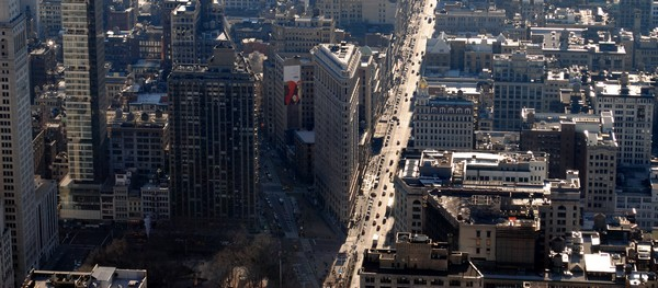 flat iron vu empire state building